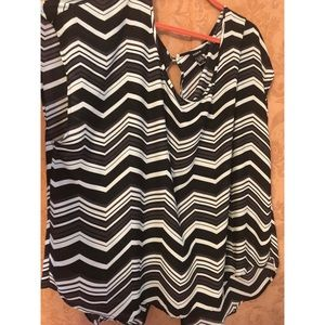 Torrid Zigzag Blouse Size 4x